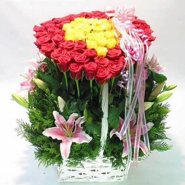 Beautiful rose basket. - Photos of the world's most beautiful birthday bouquets, unique meaning