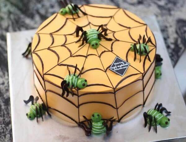 This bug-shaped cake is a not bad choice