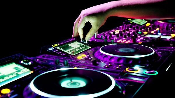 The widespread popularity of EDM electronic music